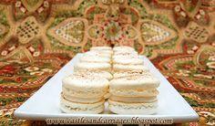 www.castlesandcarriages.blogspot.com: Eggnog Macarons