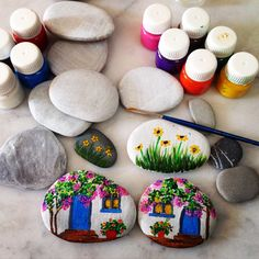 Taşboyama, paintedstone, stonepaintings , acrylic , Bodrumevleri Pebble Painting, Stone Art Painting, Pebble Art, Diy Painting, Rock Painting, Beach Stones, Stone Crafts, Rock Crafts, Arts And Crafts