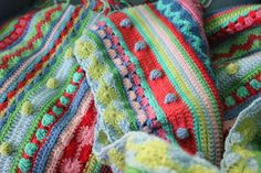 Mixed stitch stripey blanket crochet-a-long by little woollie. Update no. 5. Scroll down to see the latest update.