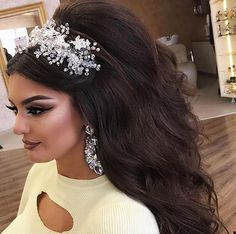 ღ sαℓσмé ∂єsєrτ ღ Wedding Hairstyles With Crown, Wedding Hair Half, Braids For Long Hair, Wavy Hair, Bridal Hair And Makeup, Hair Makeup, Amazing Wedding Dress, Long Layered Hair, Eye Makeup Tips