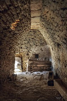 Intérieur d'une Borie, dans le village des Bories de Gordes – Vaucluse (France) – Crédit Photo: ST-GB & AL Photography via Flickr