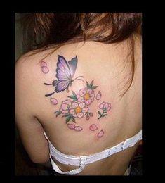 Tatuaggi con farfalle e fiori, i più bei disegni - Tatuaggio con farfalla e fiori di pesco