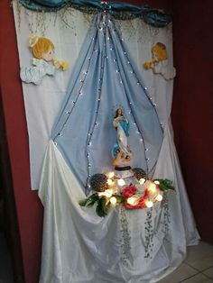 Blessed Mother Mary, Blessed Virgin Mary, Church Altar Decorations, Table Decorations, Home Projects, Projects To Try, Mama Mary, Prayer Room, Bible Crafts
