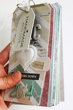 Scrapmanufaktur: December Daily - with Sizzix