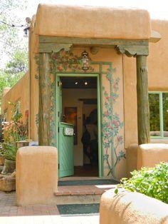 Unique Door New Mexico 69 New Ideas Southwestern Home, Southwest Style, Porches, New Mexico Santa Fe, New Mexico Style, Spring Door Wreaths, Santa Fe Style, Adobe House, Front Door Colors