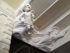 В МОСКВЕ в каком доме есть барельеф,напоминающий античный фриз? Фото: 2 тыс изображений найдено в Яндекс.Картинках