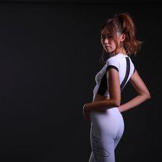 🌈風羽まき🎶👠fuuwaさんはInstagramを利用しています:「👑BODY PROFILE CLASSIC✨ Instagram投稿で二次審査エントリー ちょっと続くよ❤ みんなもイイネ👍🏼で投票してね!! #bodyprofileclassic  #bodyprofileclassic2019 #746305 * *…」 Fitness, Pants, Instagram, Fashion, Trouser Pants, Moda, Fashion Styles, Women's Pants, Women Pants