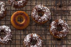 Bezglutenowe pączki kokosowe. Dom, Lchf, Doughnut, Cookie Recipes, Food Porn, Gluten Free, Yummy Food, Cookies, Desserts