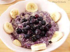 Petit déjeuner aux flocons de sarrasin, myrtilles et banane #vegan #porridge - Tasting Good Naturally, recettes végétaliennes