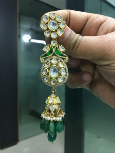 Pinterest :@achyi South Indian Jewellery, Indian Jewellery Design, Jewelry Design Earrings, Gems Jewelry, Gold Necklaces, Gold Earrings, Bangle Bracelets, Bangles, Gold Designs