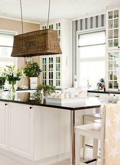 Suomen kauneimpia koteja - Kannustalo Kitchen Redo, Rustic Kitchen, Kitchen Living, Kitchen And Bath, Kitchen Design, Kitchen Ideas, Living Styles, Beautiful Kitchens, Long Island