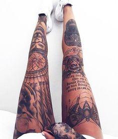 Leg Quote Tattoo, Tattoo Bein, Knee Tattoo, Tattoo On Leg, Tattoo Quotes, Sternum Tattoo, Wrist Tattoo, Shoulder Tattoo, Leg Tattoos For Girls