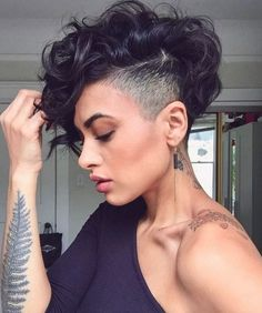 51 Edgy and Rad Short Undercut Hairstyles for Women Short Curly Hair Edgy hairstyles Rad short UnderCut Women Short Curly Pixie, Curly Pixie Hairstyles, Curly Hair Styles, Short Hair Undercut, Curly Hair Cuts, Short Hairstyles For Women, Hairstyles 2018, Undercut Women, Punk Pixie Haircut