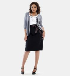 This is the look I'd like for work. I wonder if I could add a ribbon belt to the pencil skirt I have. Curvy Girl Fashion, Cute Fashion, Skirt Fashion, Plus Size Fashion, Plus Size Pencil Skirt, Plus Size Skirts, Plus Size Outfits, Plus Size Womens Clothing, Clothes For Women