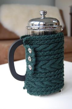 Sunrise Cafetiere Cosy, by Louise Zass-Bangham Tea Cosy Knitting Pattern, Loom Knitting, Knitting Patterns Free, Free Knitting, Knitting Needles, Tea Cozy, Coffee Cozy, Pour Over Coffee Maker, Knitted Tea Cosies