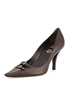 ROGER VIVIER SMOOTH LEATHER TWO-BUCKLE POINTED TOE PUMP, BROWN. #rogervivier #shoes #pumps