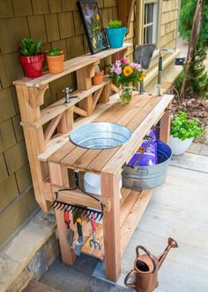 How to Make a Gardener's Potting Bench | how-tos | DIY