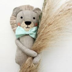 have a nice weekend for all of us Plush Dolls, Doll Toys, Peluche Lion, Safari Look, Lion Toys, Handmade Stuffed Animals, Diy Bebe, Nice Weekend, Baby Sewing Projects