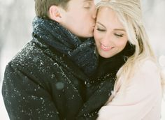 I was perfectly happy bidding farewell to all things winter for the season. But then KT Merry sent along this snowy Chicago e-sesh and I suddenly changed my tune. Complete with flurries and romance, cozy fashion and one adorable fur baby, this