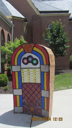 Made this 3-D cardboard jukebox for a church dinner.  Fun project :)