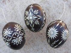 Ostereier - 3 echte Ostereier mit Stroh verziert, Dunkelbraun - ein Designerstück von Kreativpflanze bei DaWanda