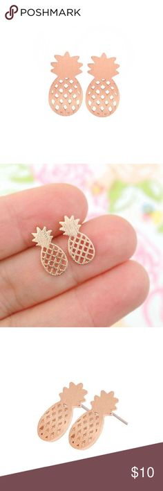 2/$15 the pineapple stud earring • style name: the pineapple stud earring • color: rose gold • material: metal alloy • dainty stud earrings • pineapple outline design • condition: brand new boutique item ____________________________________________________ ✅ make an offer!     ✅ i bundle! ✅ posh compliant closet ⛔️ no trades  boutique item on the edge boutique Jewelry Earrings