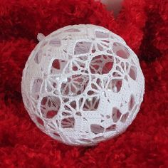 Crochet Christmas Ornaments Crochet Christmas Decorations, Christmas Tree Baubles, Christmas Crochet Patterns, Crochet Ornaments, Crochet Snowflakes, Christmas Tree Ornaments, Crochet Lamp, Thread Crochet, Thanksgiving Crochet