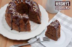 Si deseas temperar chocolate, puedes utilizar nuestras Barras de Repostería o nuestras Chispas de chocolate, elige tu favorito: sabor amargo o semiamargo. #Hersheys #Chocolate #InspiraSonrisas #Repostería #Postres #Receta #DIY #Bakery #Pastel