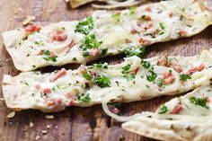 Tarte flambée – the crispy delicacy from Alsace Wine Recipes, Great Recipes, Cooking Recipes, Favorite Recipes, Healthy Recipes, Evening Meals, Nutrition, Soul Food, Quiches