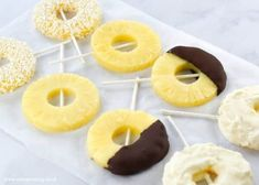 How to make super easy pineapple ring ice lollies - recipe with 4 different serving ideas - great healthy summer snack for kids - Eats Amazing UK Healthy Summer Snacks, Healthy Protein Snacks, Healthy Food, Healthy Eating, Ice Lolly Recipes, Chocolate Yogurt, Frozen Pineapple, Frozen Fruit, Cake Pop Sticks