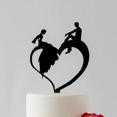 Bride and Groom relaxing on a Heart - Wedding Cake Topper Couple Silhouette, Wedding Silhouette, Heart Wedding Cakes, Angel Artwork, Elegant Couple, Relaxed Wedding, Calligraphy Pens, Stencil Art, Border Design
