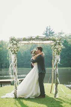 Picture-Perfect Wedding Ceremony Altar Ideas - MODwedding Picture-Perfect Wedding Ceremony Ideas - M Wood Wedding Arches, Birch Wedding, Mod Wedding, Floral Wedding, Wedding Flowers, Trendy Wedding, Wedding Kiss, Dream Wedding, Outdoor Wedding Arches