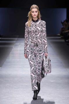 Versace Womenswear FW Fashion Show  - LOOK 38 | Official Website