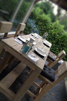 Bar tafel met krukken steigerhout