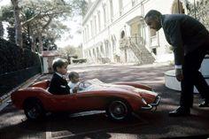 La Princesse Stéphanie De Monaco en 1966, avec Rainier et Albert Paris Match, Welcome, Antique Cars, Celebrities, Childhood, Vintage Cars, Celebs, Celebrity