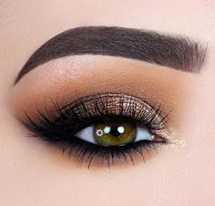 Makeup for green eyes: love this easy look for green eyes, warm toned makeup look.