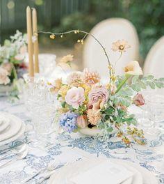 Wedding Table Centres, Wedding Table Centerpieces, Flower Centerpieces, Flower Decorations, Wedding Decorations, Centrepieces, Fall Wedding Flowers, Flower Bouquet Wedding, Floral Wedding