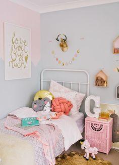我們看到了。我們是生活@家。: 可愛的女孩兒房!澳洲室內設計師Kate Sparks,為女兒Georgie佈置的房間
