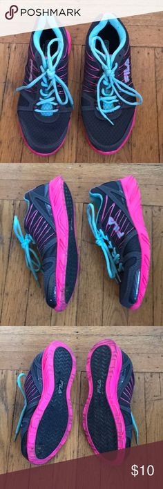 FILA Women's Spear 2 Pewter/Pink/Blue Sneaker 8 Manufacture ref # 5sr20322-076 worn only a couple times (through some mud - see photos for dirt that should be easy to wash off, I just dont have the time, so you collect the savings!)  All of my clothes come from a clean, smoke free and pet free environment. Fila Shoes Sneakers