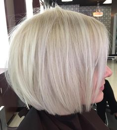 Mind-Blowing Short Hairstyles for Fine Hair White Blonde Bob with Razored LayersWhite Blonde Bob with Razored Layers Best Bob Haircuts, Bob Haircuts For Women, Bob Hairstyles For Fine Hair, Men's Hairstyle, Pixie Haircuts, Medium Hairstyles, Formal Hairstyles, Braided Hairstyles, Wedding Hairstyles