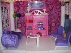 Barbie Salon Waiting Area Plastic Shelving Units, Barbie Store, Salon Waiting Area, Home Decor, Decoration Home, Plastic Shelves, Room Decor, Home Interior Design, Home Decoration