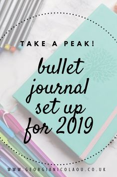BULLET JOURNAL SET UP 2019 take a peak into my 2019 bullet journal. Loads of spread ideas for students, trackers, goal pages and many more fun creative spreads for you to try in your bullet journal! Bullet Journal Flip Through, Creating A Bullet Journal, Bullet Journal Set Up, Bullet Journal Printables, Bullet Journal How To Start A, Bullet Journal Inspiration, Bullet Journals, Bullet Journal Ideas For Students, Bujo