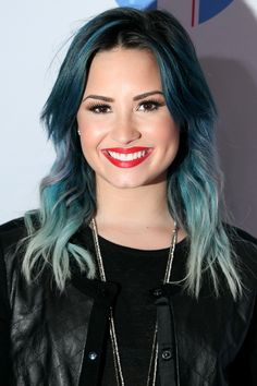 demi lovato with blue hair looks really nice and suits her style. Demi Lovato Hair Color, Demi Lovato Style, Dark Chocolate Hair, Mascara, Celebrity Hair Colors, Hair Color And Cut, Rainbow Hair, Hair Pictures, Brunette Hair
