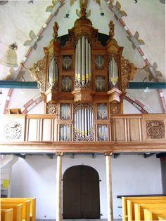 1704 Godlinze (NL) Hervormde Kerk Cassa, prospetto, otto o nove registri; oggi I/P/12.