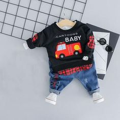 Made with the finest cotton and polyester materials, this cute cartoon printed outfit is perfect for any occasion. T Shirt And Jeans, Jean Shirts, Baby Cartoon, Cute Cartoon, Cartoon Outfits, My Black, Casual T Shirts, Spring Collection, Outfit Sets