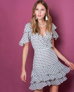 Para os dias mais frescos, aposte no nosso lindo vestido!  SHOP NOW: http://www.amissima.com.br/