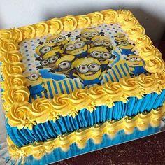 First Birthday Party Themes, Boy Birthday Parties, Birthday Party Decorations, Birthday Cakes, Bolo Minion, Minion Cupcakes, Minion Theme, Minion Party, Happy Birthday Minions