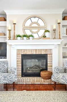 Spring Family Room- fresh style and lots of ideas. SPRING FAMILY ROOM- Get lots of ideas and inspiration to create a spring family room with a fresh and unfussy look. Updated and fun! Living Room Decor Fireplace, Fireplace Decorations, Mantles Decor, Fireplace Mantles, Stone Fireplaces, Brick Fireplace, Pottery Barn, Home Decor Hacks, Decor Ideas