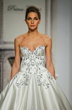 Pnina Tornai Princess/Ball Gown Wedding Dress with Sweetheart Neckline and Natural Waist Waistline