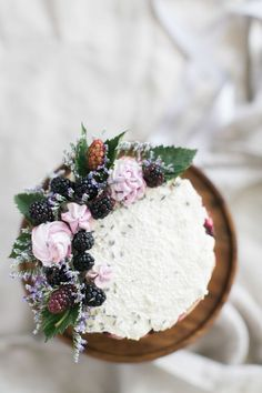 A purple lavender inspired wedding cake.